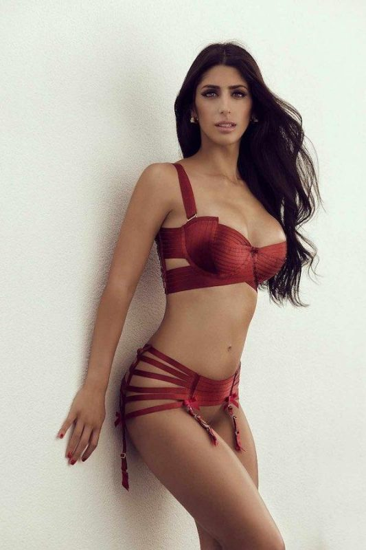 Escorts service in Mallorca where we ensure discretion and security